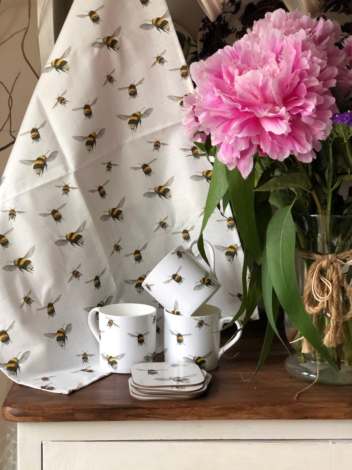 Image of 'Bumblebee' Tea towel