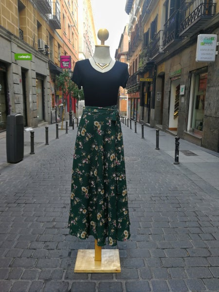 Image of Falda pareo larga verde estampado flores