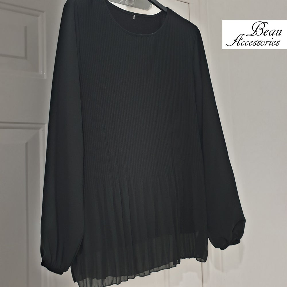Image of Black Pleated Modest Top