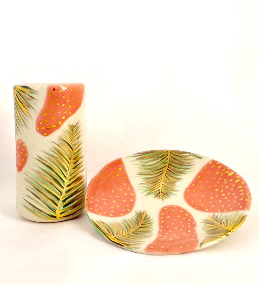 Image of Palm vase and dish
