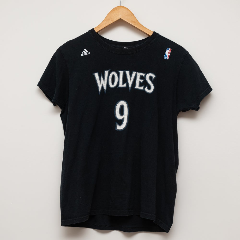 Image of Adidas Wolve Tee Size S