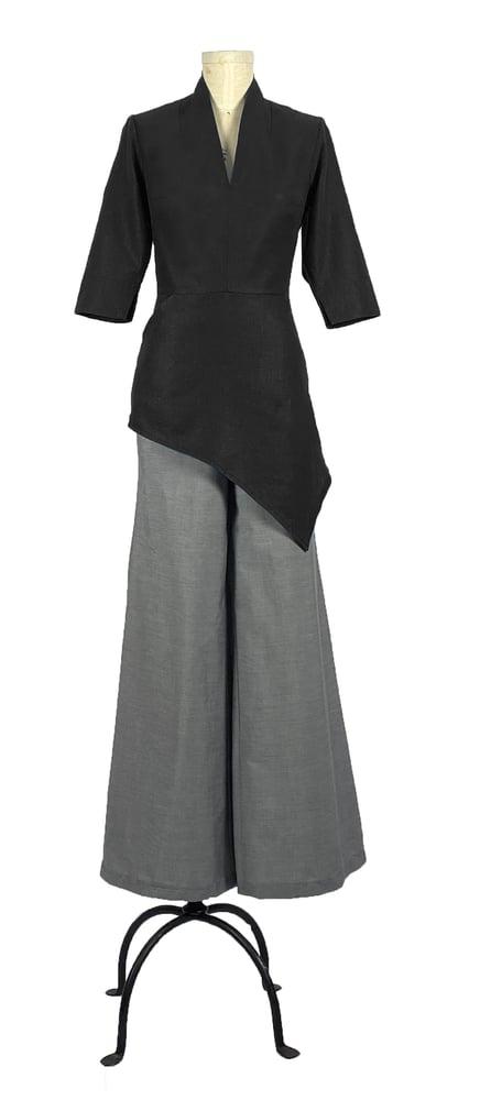 Image of Elmira Cromwell top in black