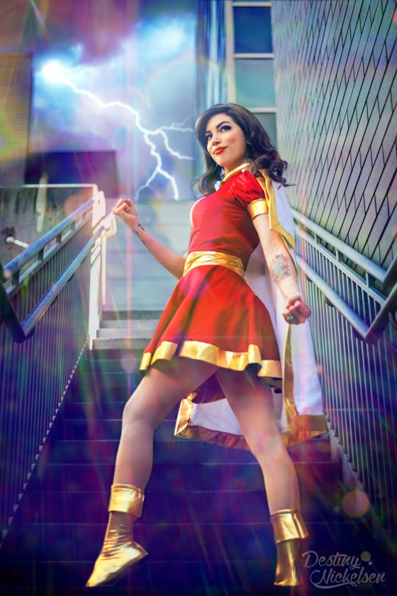 Image of HOLOFOIL MARY MARVEL