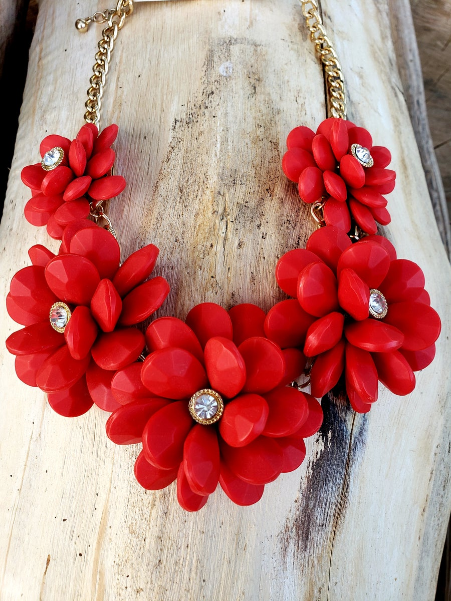 Image of Flower Necklace
