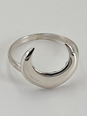 Image of CRESCENT MOON Sterling Silver Ring