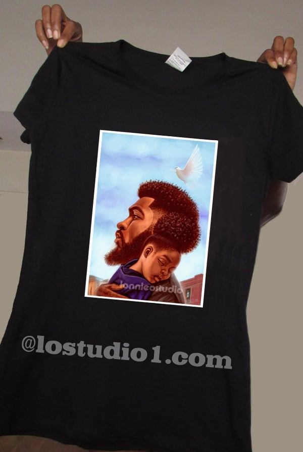 "Image of ""ON DAD SHOULDER""T-shirt"