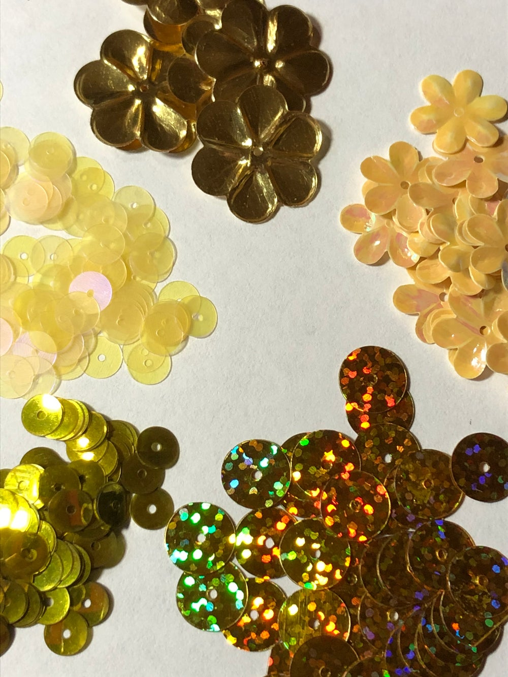Image of 5 Packages of Yellow-Gold Sequins