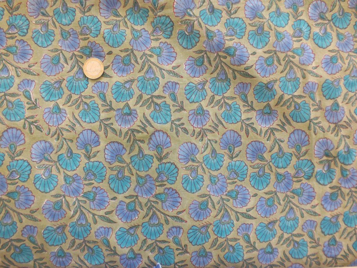 Image of Namasté fabric petites fleurs bleues et parmes