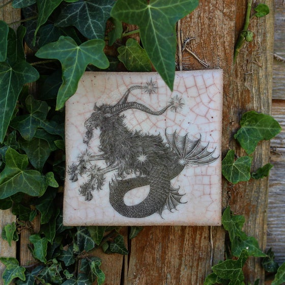 Image of Capricorn zodiac tile.