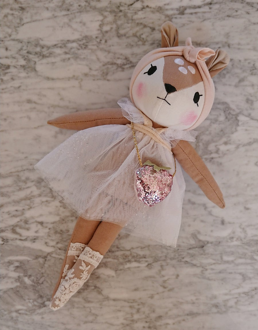 Image of Wonderforest fawn with strawberry bag