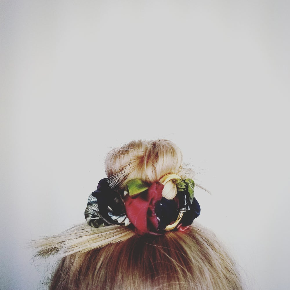 Image of SCRUNCHIE