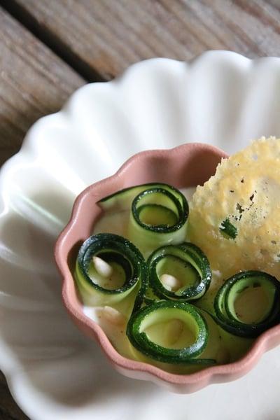 Image of Panacotta au vieux parmesan et aux tagliatelles de courgettes