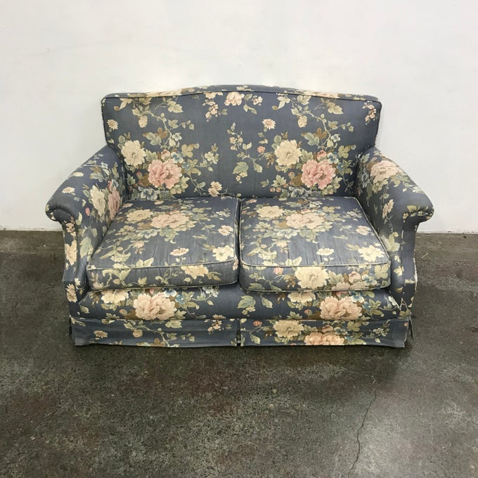 Image of COMPACT FLORAL LOUNGE