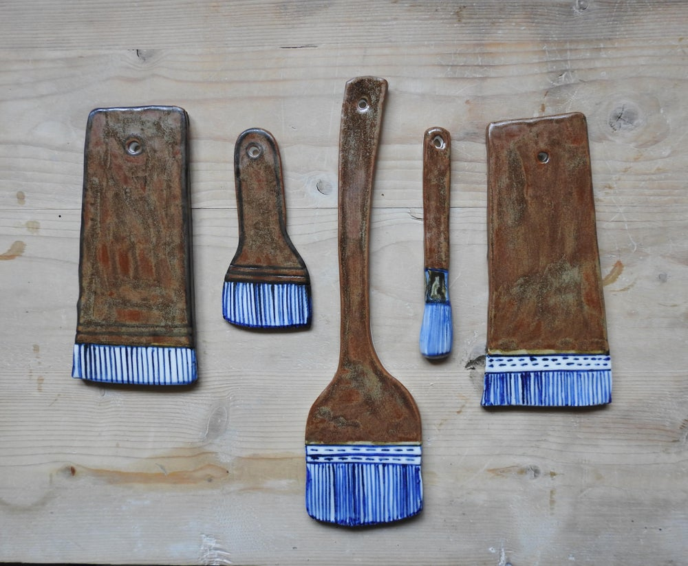 Image of the life of things - large porcelain + tenmoku artists brushes