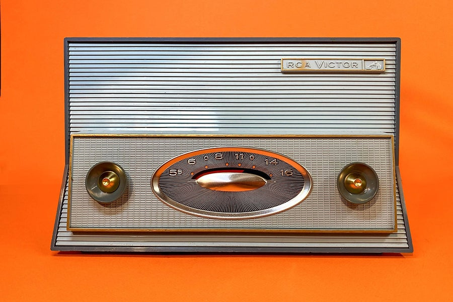 Image of RCA VICTOR 1RA52 (1961) RADIO VINTAGE BLUETOOTH