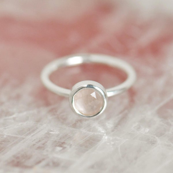 Image of Rose Quartz rose cut classic silver ring