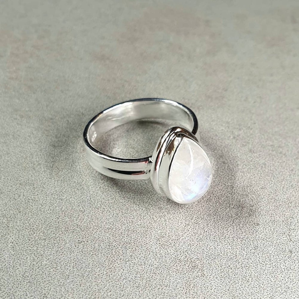 Image of RAINBOW MOONSTONE Sterling Silver Rings