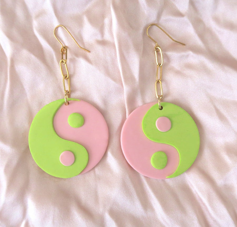 Image of Yin Yang - Pink & Green