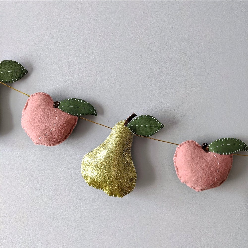 Image of Peaches & Pears Garland