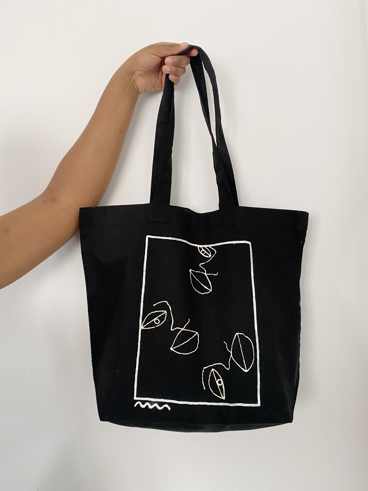 Image of face squiggle shopper