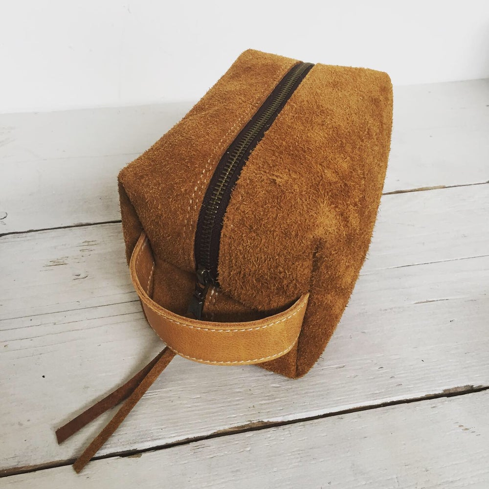 Image of Leather Suede Dopkit