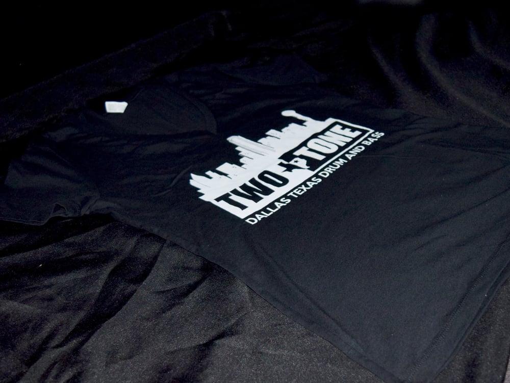 Two:Tone Dallas Skyline Shirt (Women's V-Neck)