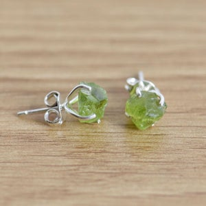 Image of Natural Rough Peridot 4 claws silver earrings