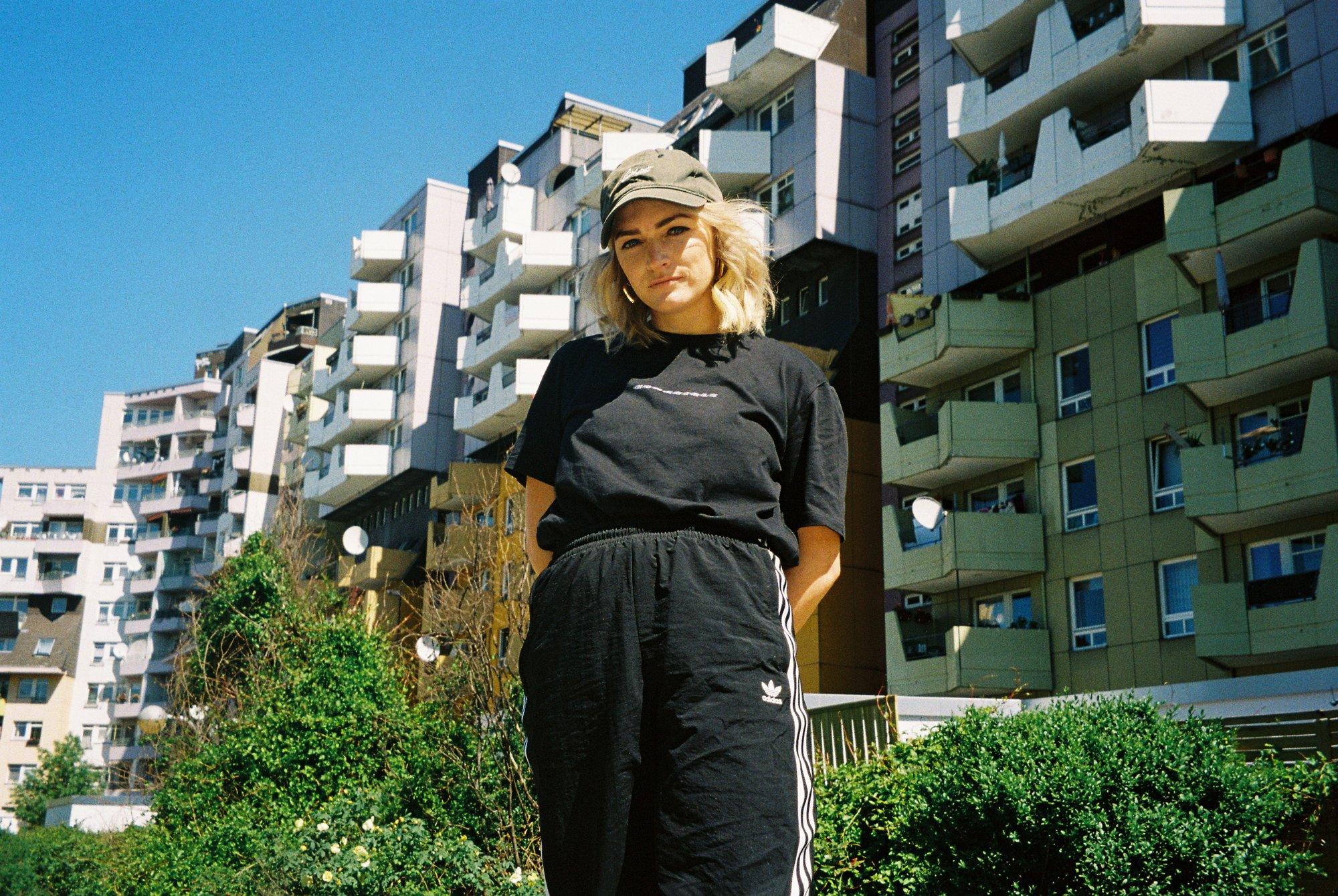 Image of HOMEGIRLS shirt black/holo