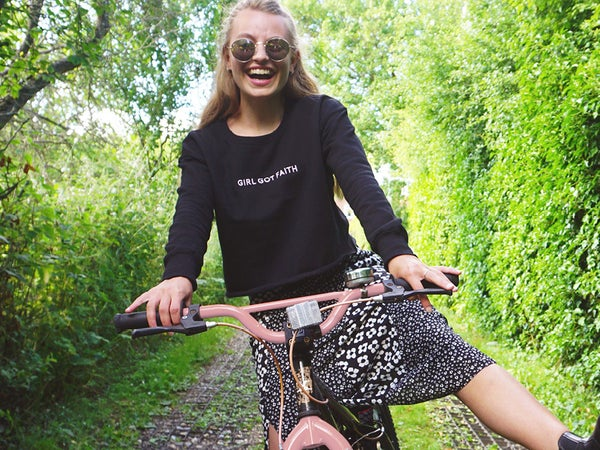Image of Embroidered Cropped Sweatshirt - Black