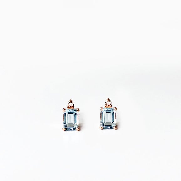 Image of Sparkling Aquamarine Earring