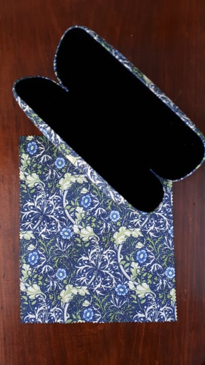 Image of William Morris Glasses Case - Seaweed design