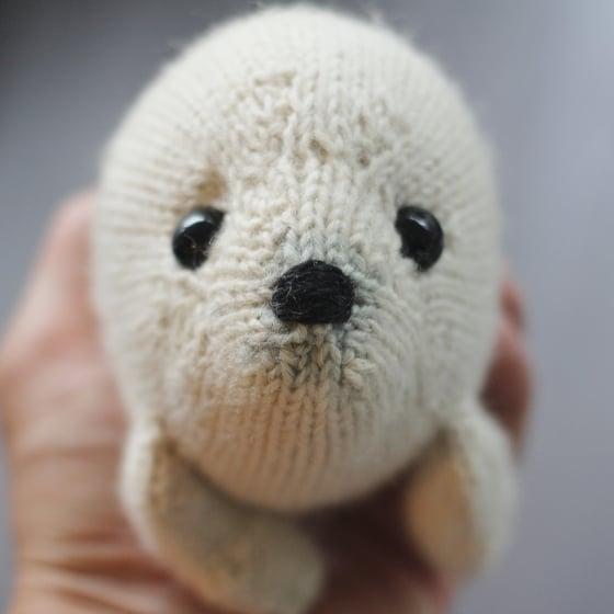 Image of Harp Seal Knitting Pattern