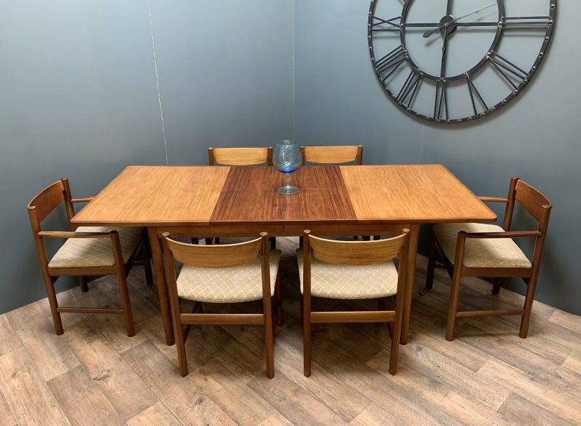 Image of White & Newton dining table & x6 chairs