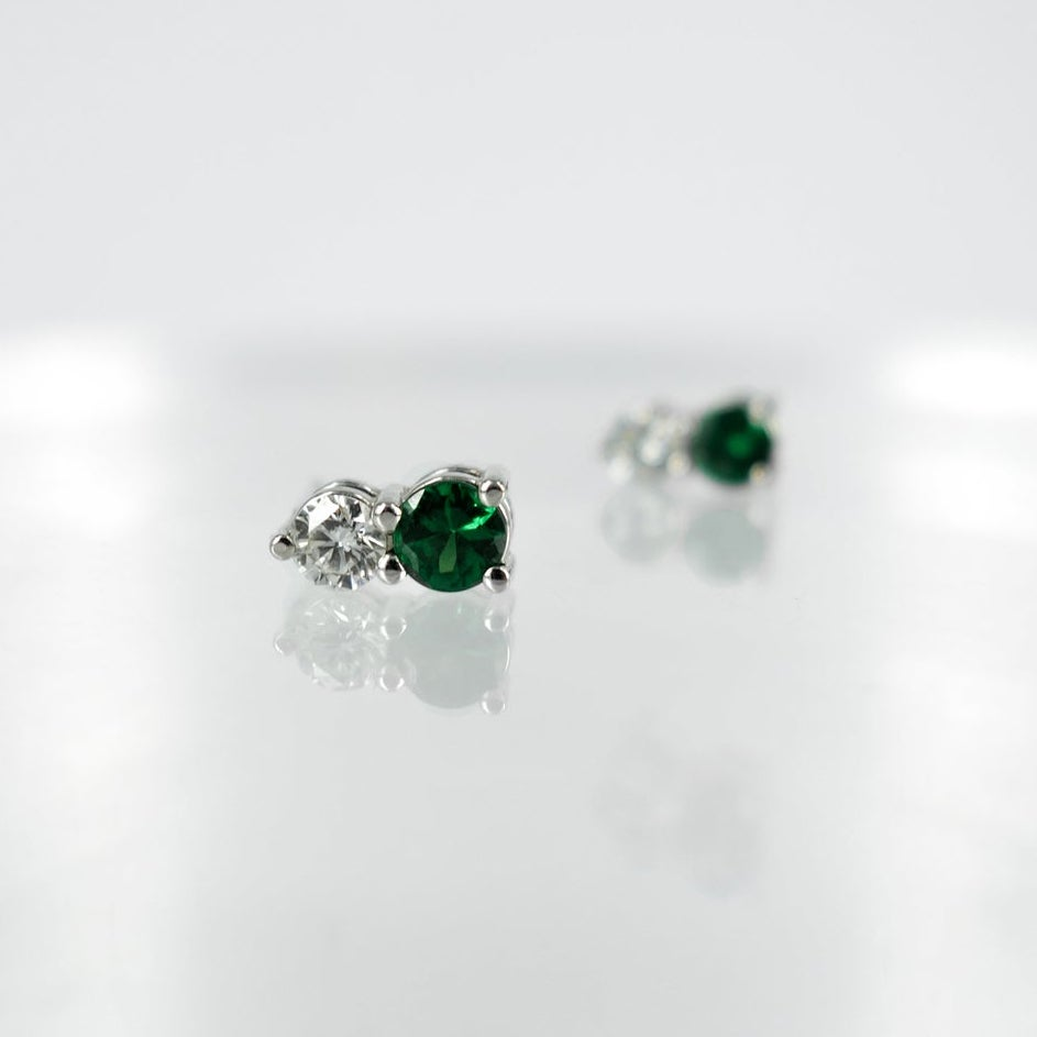 Image of PJ4245 - Diamond and Tsavorite garnet stud earrings