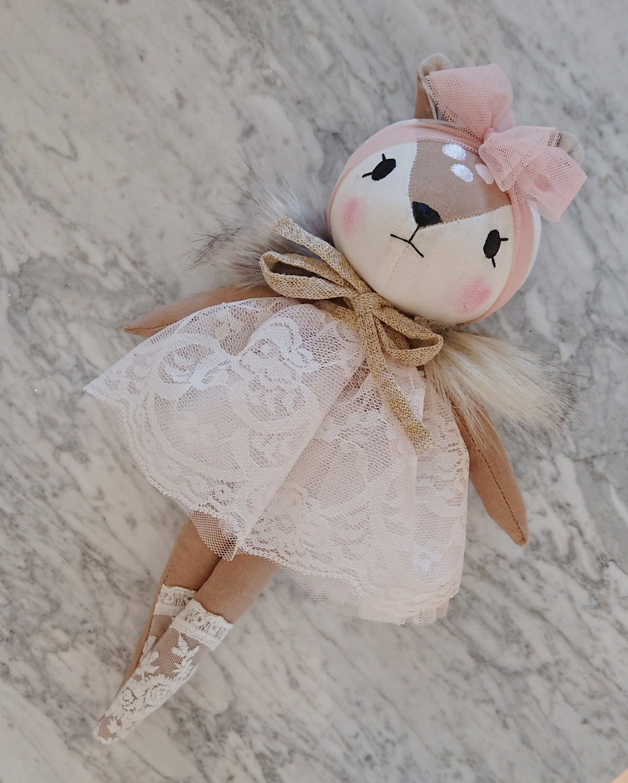 Image of Wonderforest fawn light pink lace