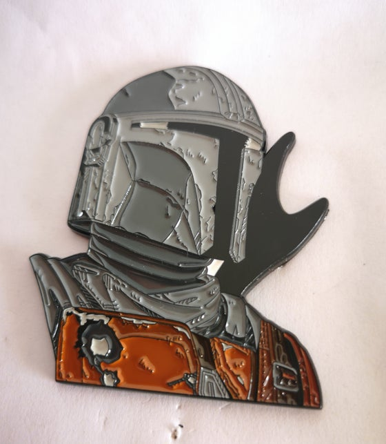 "Image of The Mando 2.5"" Tall Bust  Lapel Pin #6 in Series"