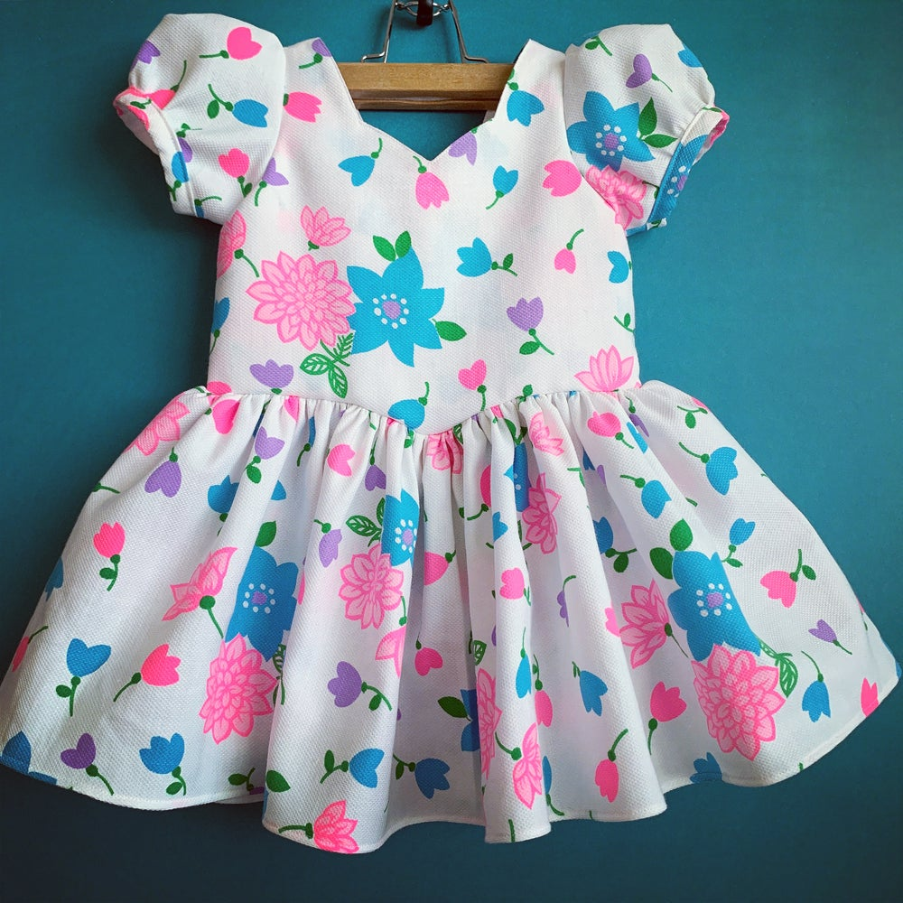 Image of Neon flowers and hearts 3T