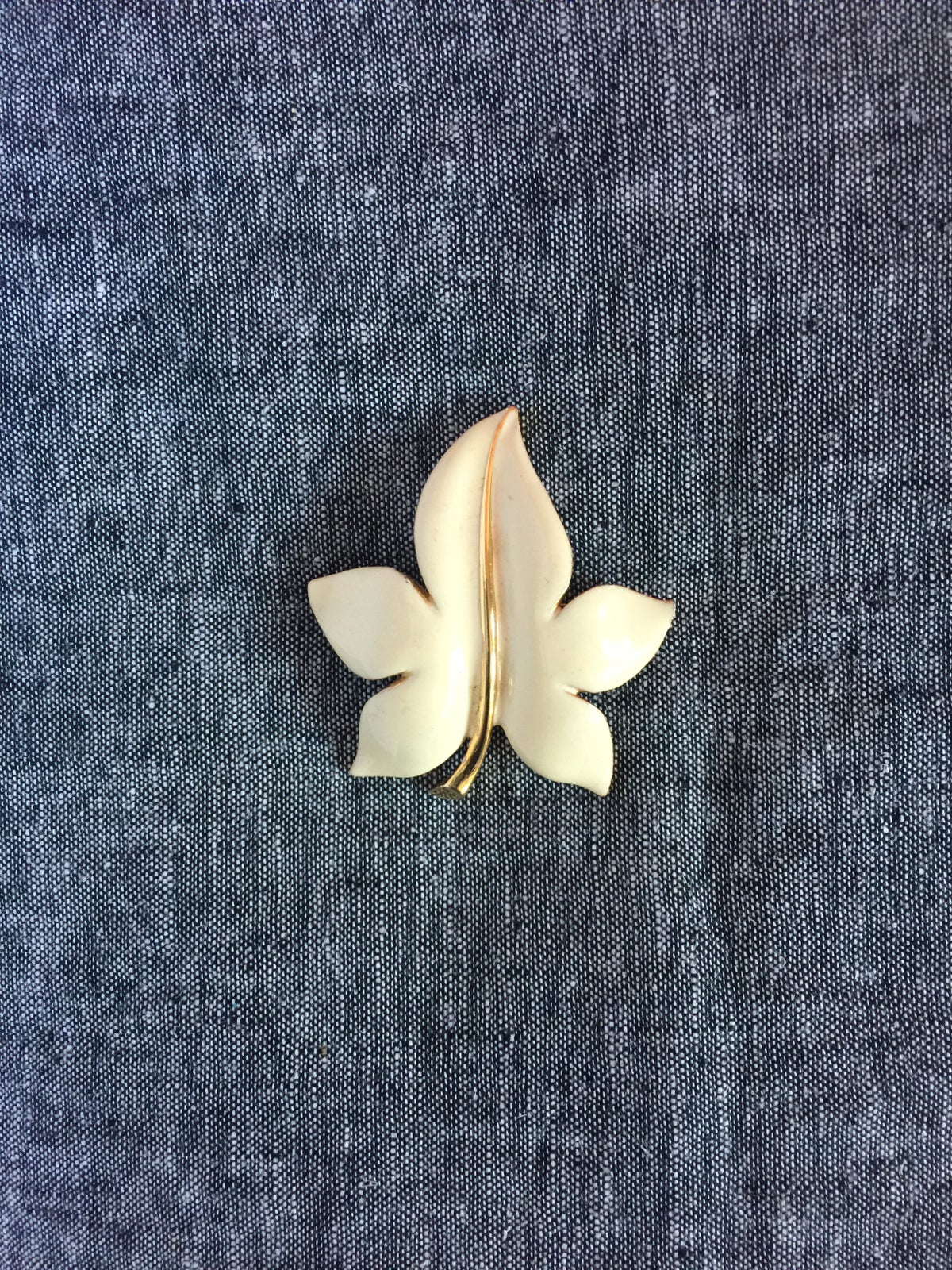 Image of Vintage Ivory Leaf Pin