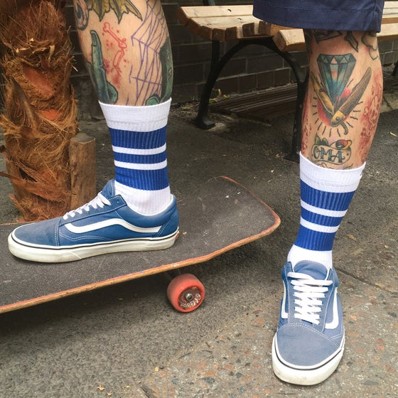 "Image of Spirit of 76 RETRO SOCKS ""BLUE BLUES ON WHITE"" LO"