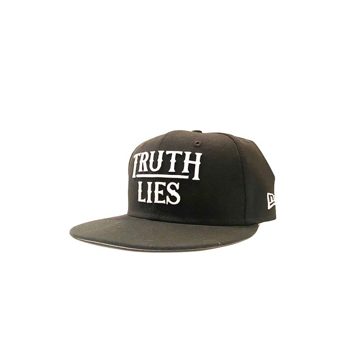 Image of 2520 X NEW ERA TRUTH OVER LIES 9FIFTY SNAPBACK - BLACK