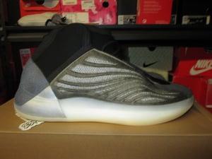"Image of adidas Yeezy QNTM ""Barium"""