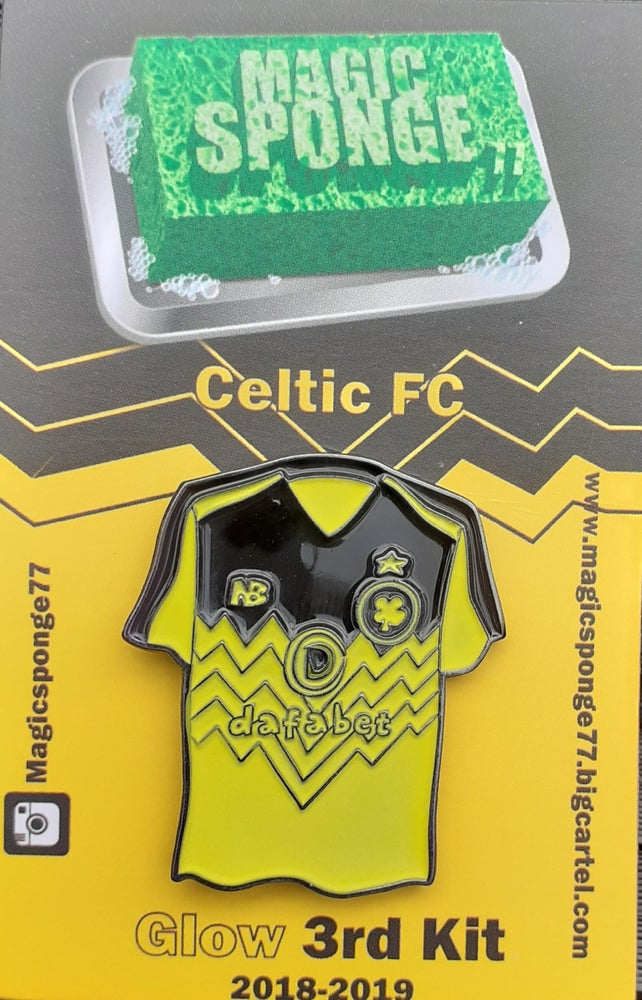 Image of Out Now 2018 3rd Kit (Glow Pin)