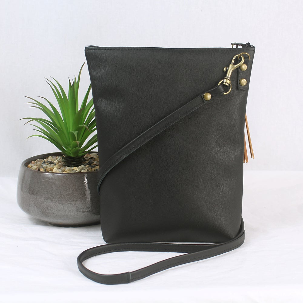 Image of Leather Dance Bag - Peacock Black & Tan