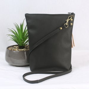Image of Leather Dance Bag - Peacock Black & Tan