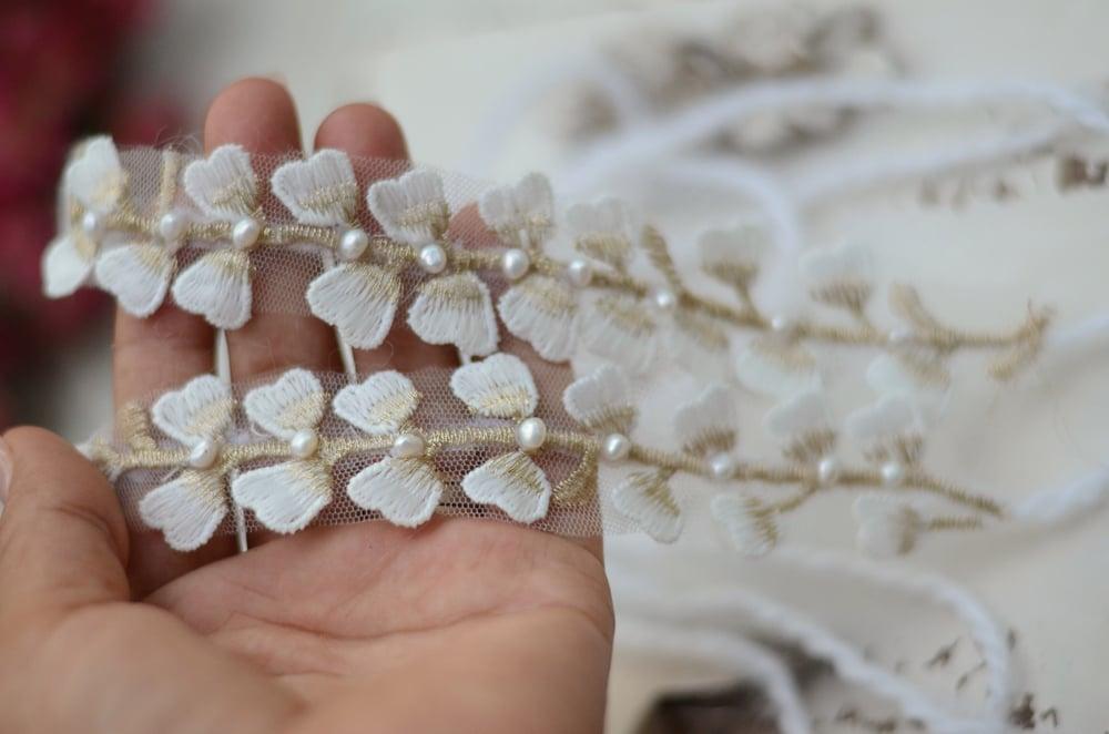 Image of Anna tieback ( freshwater pearls)
