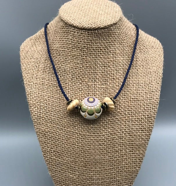 Image of Blue Daisy Necklace