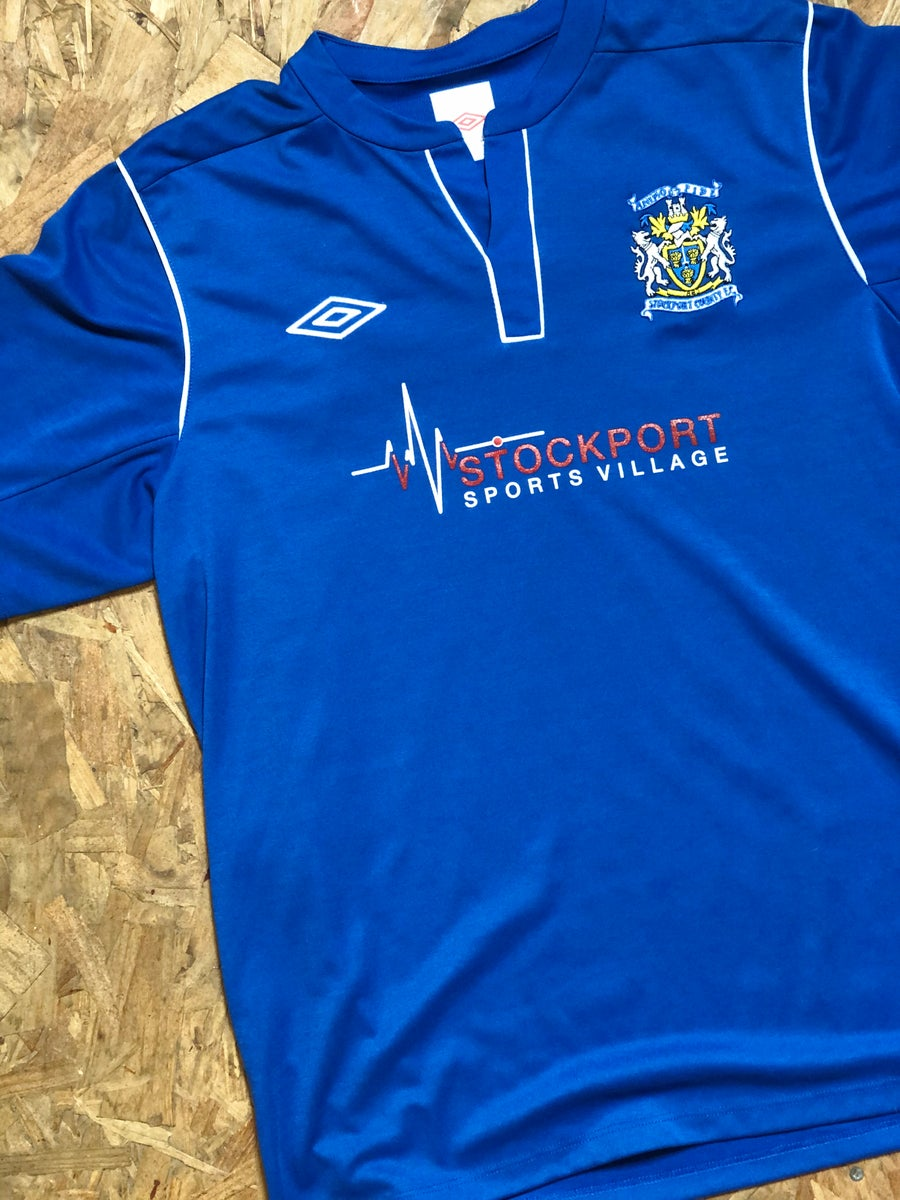 Image of Replica 2013/14 Umbro Home Shirt