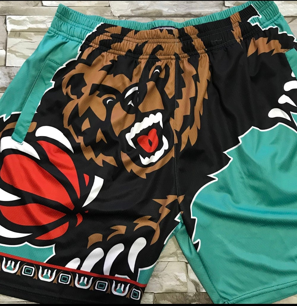 Image of Memphis grizzles print style shorts
