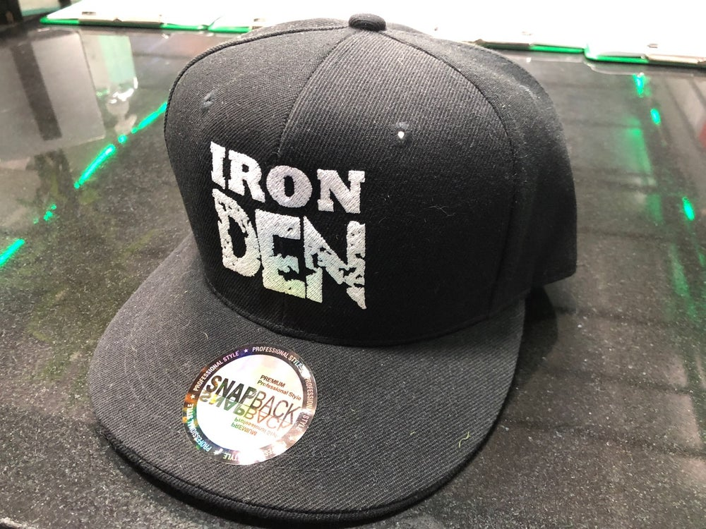 Iron Den Hat-Black /White