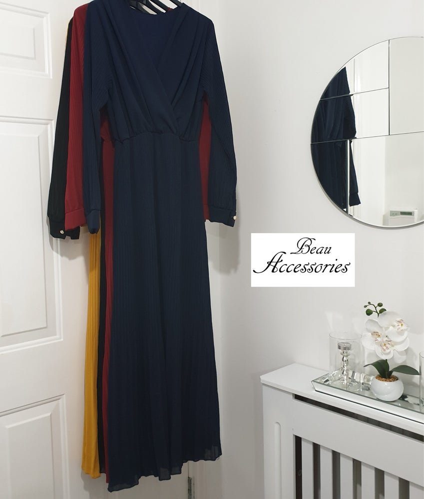 Image of Cuff Sleeve Pleated Maxi Dress